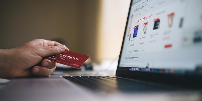 6 Ways to Improve eCommerce Customer Experience and Drive Sales