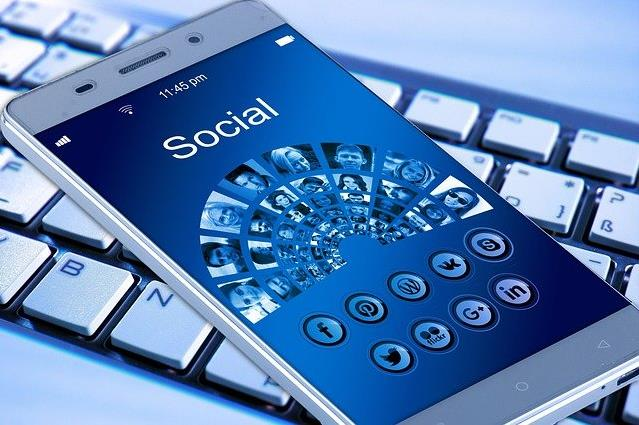 How Can Moving Companies Leverage Social Media